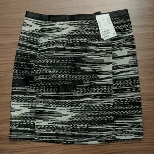 H and M skirt size 4